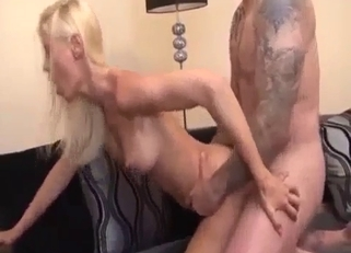 Skinny blonde boned by a pudgy tatted-up dude