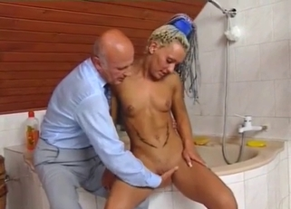 Strung-out blonde with dreadlocks fucking her dad
