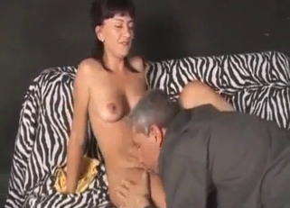 Yellow top dark-haired hottie fucks her dad